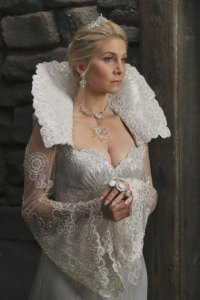 xthe-snow-queens-secret-once-upon-a-time-s4e6.jpg.pagespeed.ic.xHsYr7fPSn