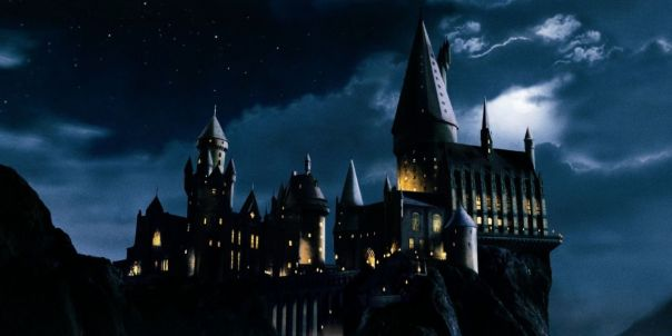 landscape-1433777123-hogwarts-school-of-witchcraft-and-wizardry-harry-potter-movie-hd-wallpaper-1920x1080-4707