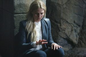 once-upon-a-time-6x05-street-rats-emma-savior-shakes-720x480